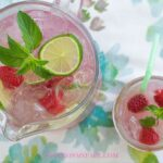 Make this Easy Fruity Lemonade recipe with fresh raspberries, fresh blackberries, fresh strawberries or even fresh blueberries. Fruity Lemonade recipes are perfect for your 4th of July backyard bbq beverage-drink recipes via flouronmyface.com