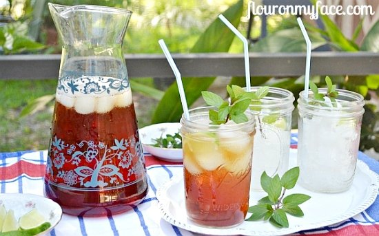 How to make the bested Sweet Iced Tea via flouronmyface.com