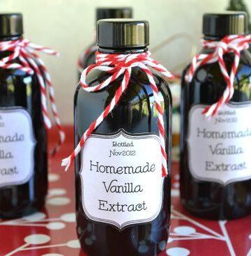 Homemade Holiday Gift ideas Vanilla Bean Extract