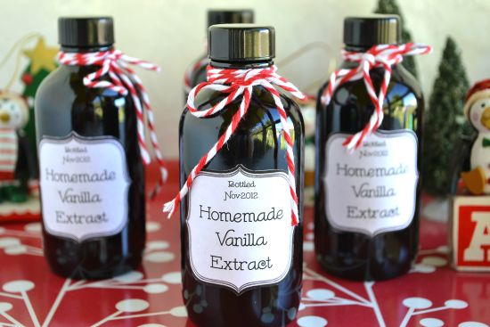 Homemade Holiday Gift ideas Vanilla Bean Extract