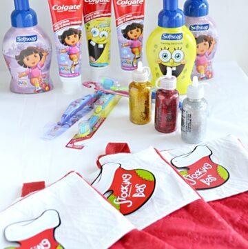 Colgate Dora the Explorer and Spongebob Squarepants Holiday Smiles