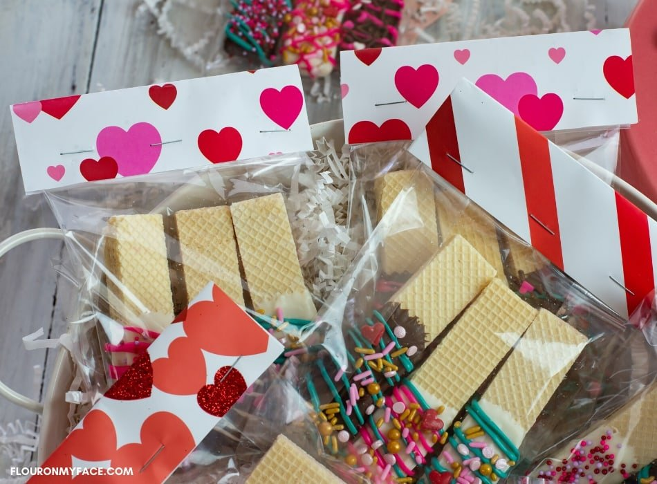 Easy Treat Bags for Valentines Day Cookies