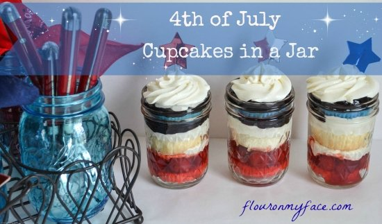 4TH OF JULY BERRYLICIOUS CUPCAKES IN A JAR via flouronmyface.com