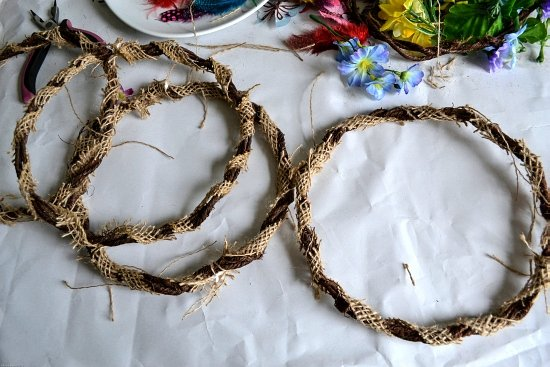 DIY Fairy Crowns wrapped with burlap ribbon via flouronmyface.com