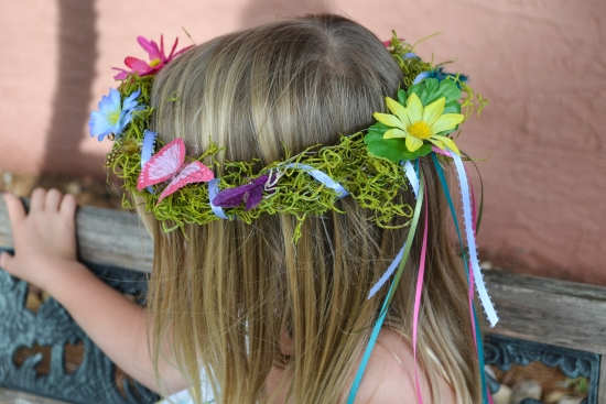 DIY Fairy Birthday Party - How to make Woodland Fairy Crowns via flouronmyface.com