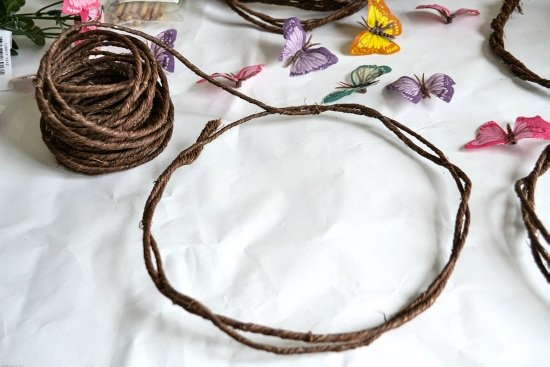 How to measure DIY Fairy Crowns via flouronmyface.com