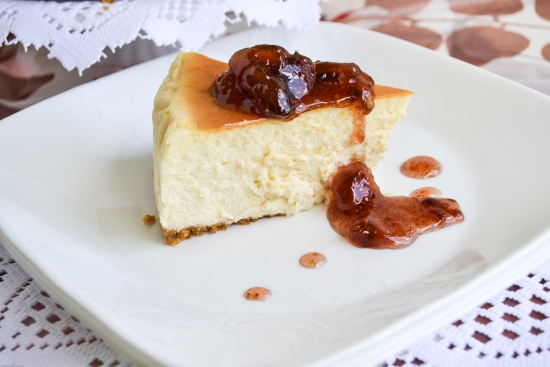Vanilla Bean Cheesecake with Fig Preserves topping