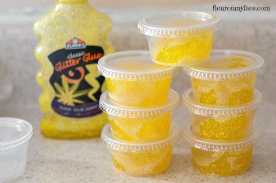 glitter slime, glitter goo, diy party favors, how to make glitter goo, DIY Glitter Goo Party Favors