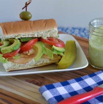 Chipolte Chicken Sub, Avocado Aioli, Easy Dinner ideas, sandwich ideas, gluten free deli meat