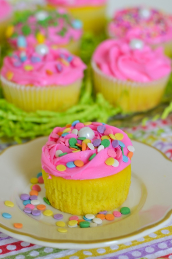 filled Easter Cupcakes, Easter Cupcake ideas, easy Easter cupcakes ...