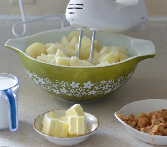 garlic mashed potatoes, mashed potatoes, roasted garlic