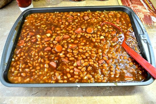 favorite family baked beans recipe, baked beans recipe, easy baked beans recipe,