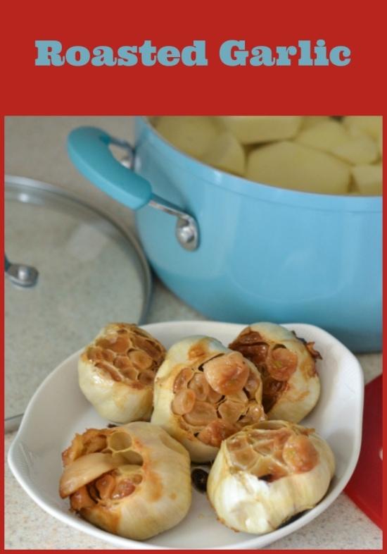 roasted garlic, roasted garlic mashed potatoes, mashed potato recipe, side dish recipes, family favorite recipes