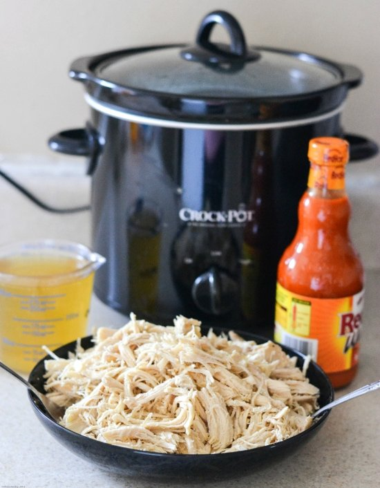 easy crock pot Pulled Buffalo Chicken recipes, crock pot chicken recipes, buffalo chicken recipe, crock pot buffalo chicken