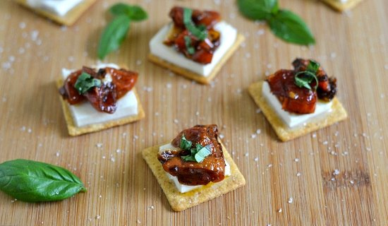easy appetizer recipes, Triscuit appetizer, roasted tomatoes, roasted balsamic vinegar