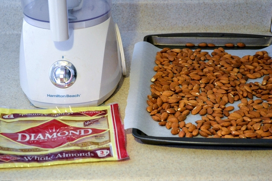 Homemade Almond Butter ingredients via flouronmyface.com