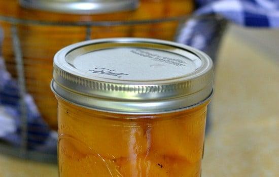Spiced Vanilla Peaches, Peach canning recipe, peaches, Washington State fruit recipes
