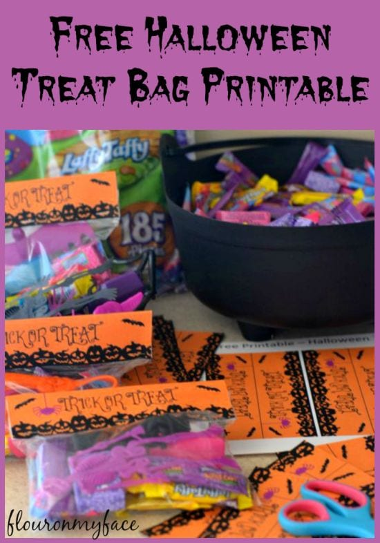 Free Halloween printable - decorate your Halloween Treat Bags with these free printables via flouronmyface.com