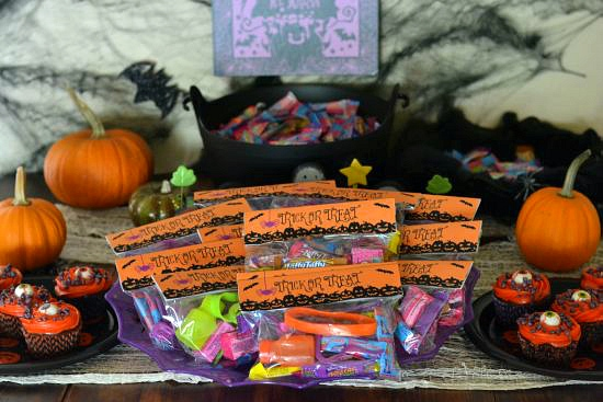 #ad, Halloween decorating, halloween treat bags