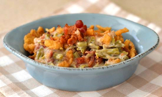 Holiday recipes : Green Bean Bacon Casserole via flouronmyface.com