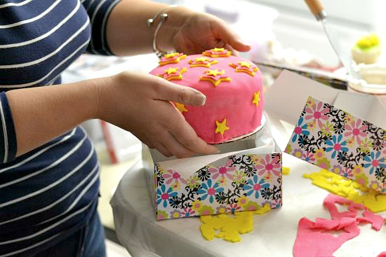 Cake Bo Boss Decorating Fondant Cakes Easy With