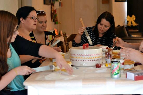 Cake Boss Decorating Table : Cake Boss Cake Decorating Party