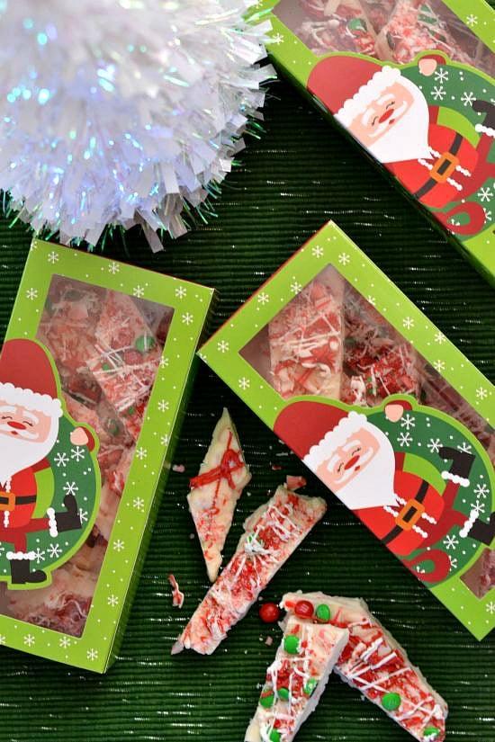 Homemade Peppermint Bark, Homemade Holidays recipe, Easy Christmas candy recipe, homemade food gifts