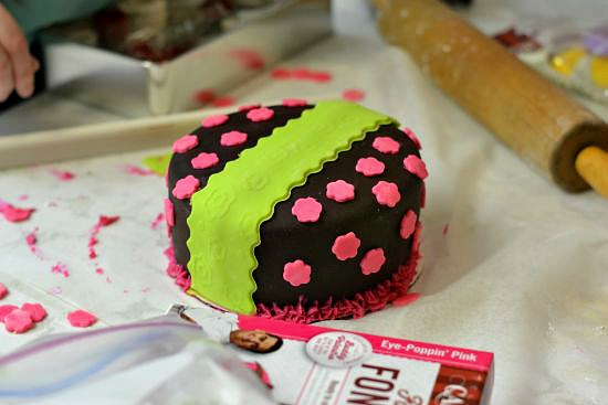 beginner fondant decorating, cake boss party