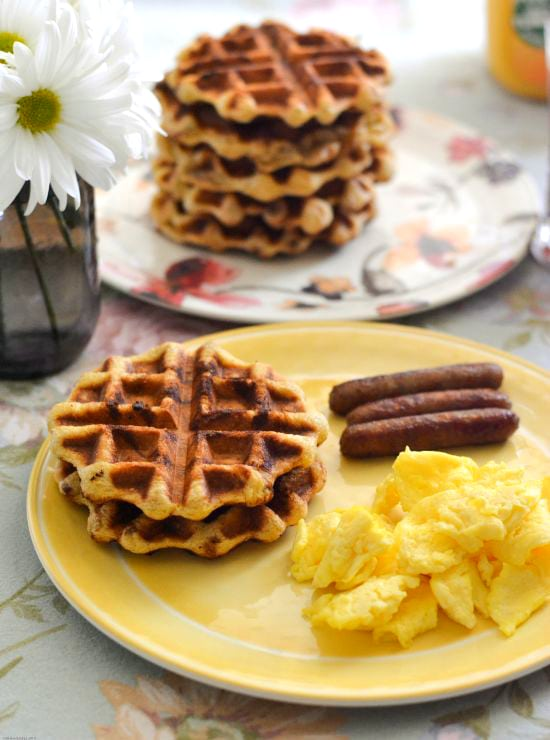 Cinnamon Sweet Roll Waffles with Apple Cinnamon Syrup #WarmUpYourDay