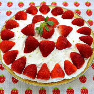 Fresh from Florida No Bake Strawberry Pie via flouronmyface.com