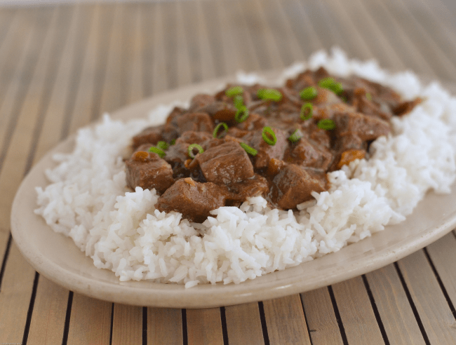 Easy Crock Pot Pepper Steak recipe via flouronmyface.com