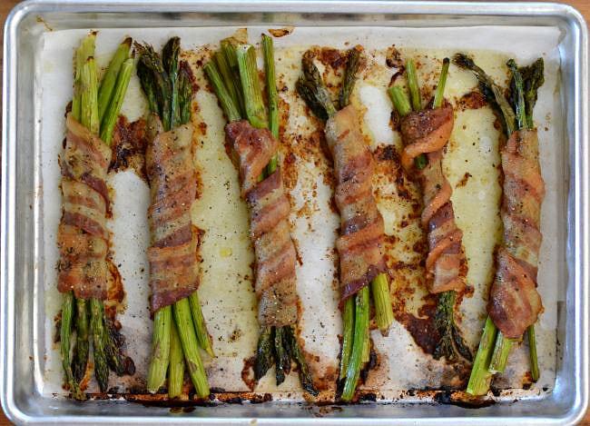 Roasted Asparagus Bundles via flouronmyface.com