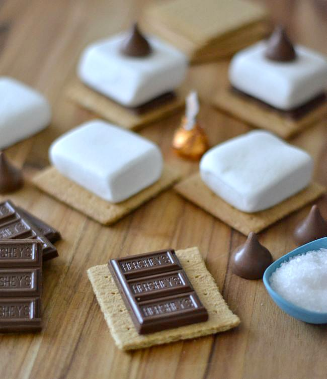 Less than 10 minutes to make these Salted Caramel S'mores in the oven