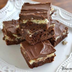 Brownie-Cheese-Cake-Bars via flouronmyface.com