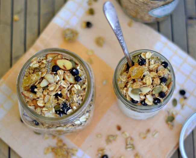 Homemade Granola Recipe via flouronmyface.com