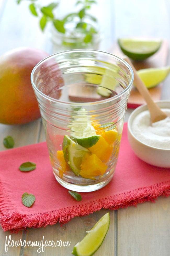 Mango Mojito ingredients via flouronmyface.com
