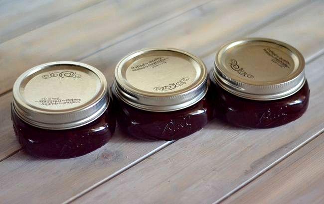 Best homemade Christmas gifts ever is this Cherry Marmalade via flouronmyface.com