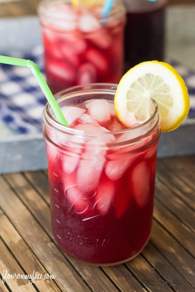 Fruity Iced Tea recipe made with SPLENDA® Sweeteners #SweetSwaps via flouronmyface.com
