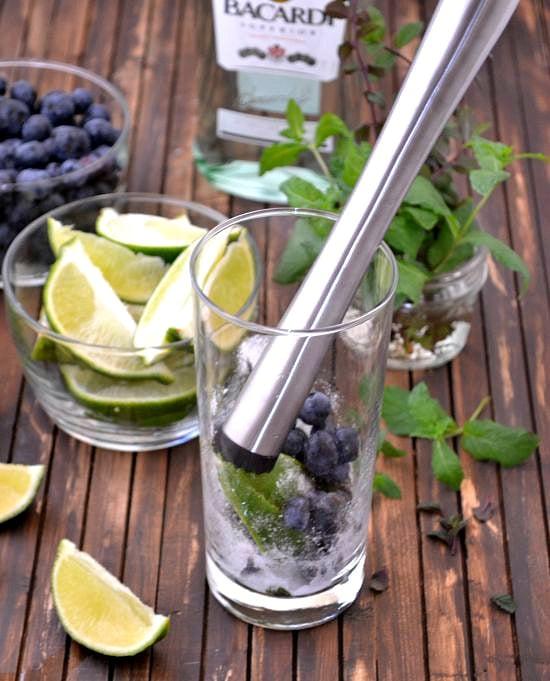 How to make a Blueberry Mojito via flouronmyface.com