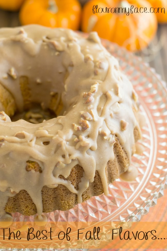 Best Pumpkin Bundt Cake ever for #SundaySuppers Fall Flavors via flouronmyface.com