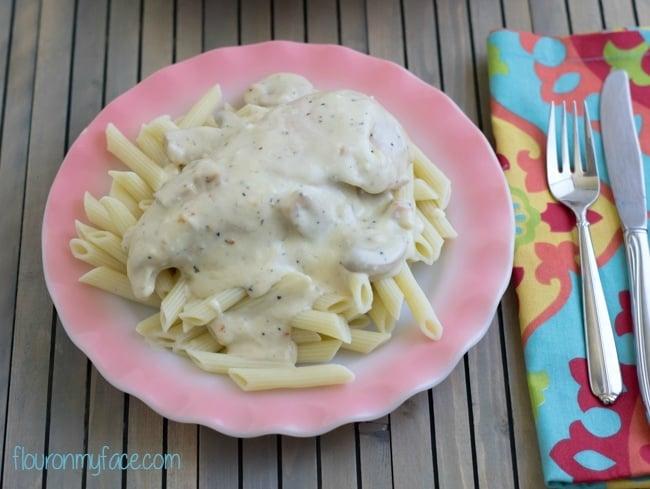 Creamy Italian Chicken recipe via flouronmyface.com