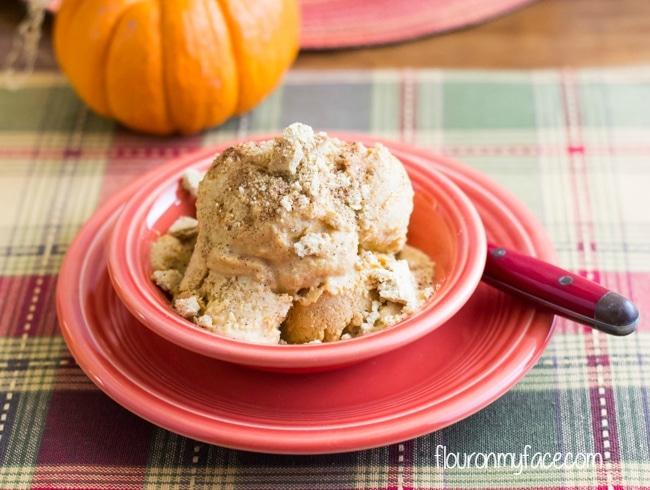 Homade Pumpkin Ice Cream recipe via flouronmyface.com
