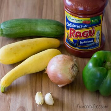Ragu Garden Vegetable Sauce ingredients image via flouronmyface.com