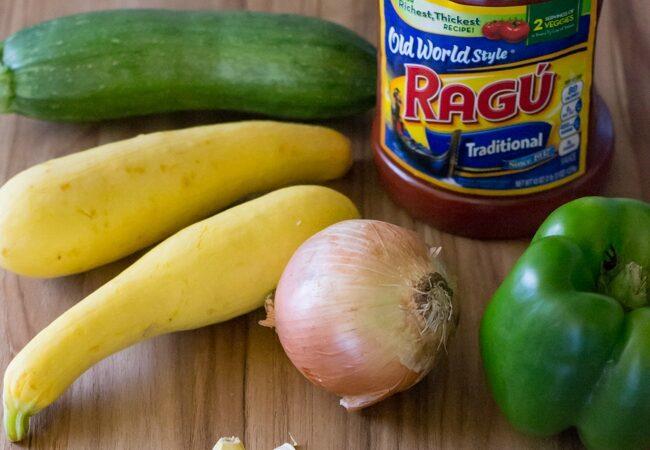 Ragu Garden Vegetable Sauce ingredients image via flouronmyface.com