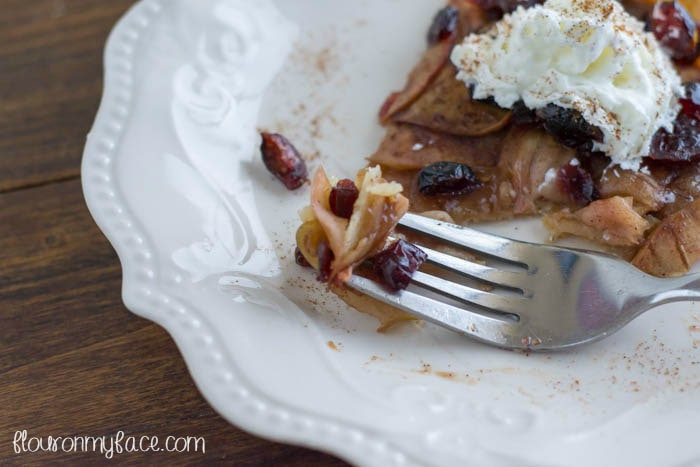 Apple Cran Tart recipe for SPLENDA #SweetSWaps via flouronmyface.com