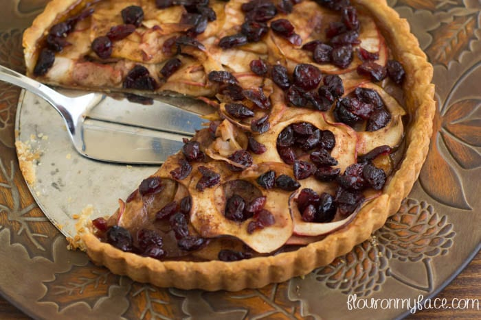 Holiday baking with SPLENDA® just got sweeter with this Apple Cranberry Tart recipe via flouronmyface.com #SweetSwaps