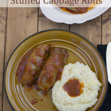Crock Pot Stuffed Cabbage Rolls recipe via flouronmyface.com