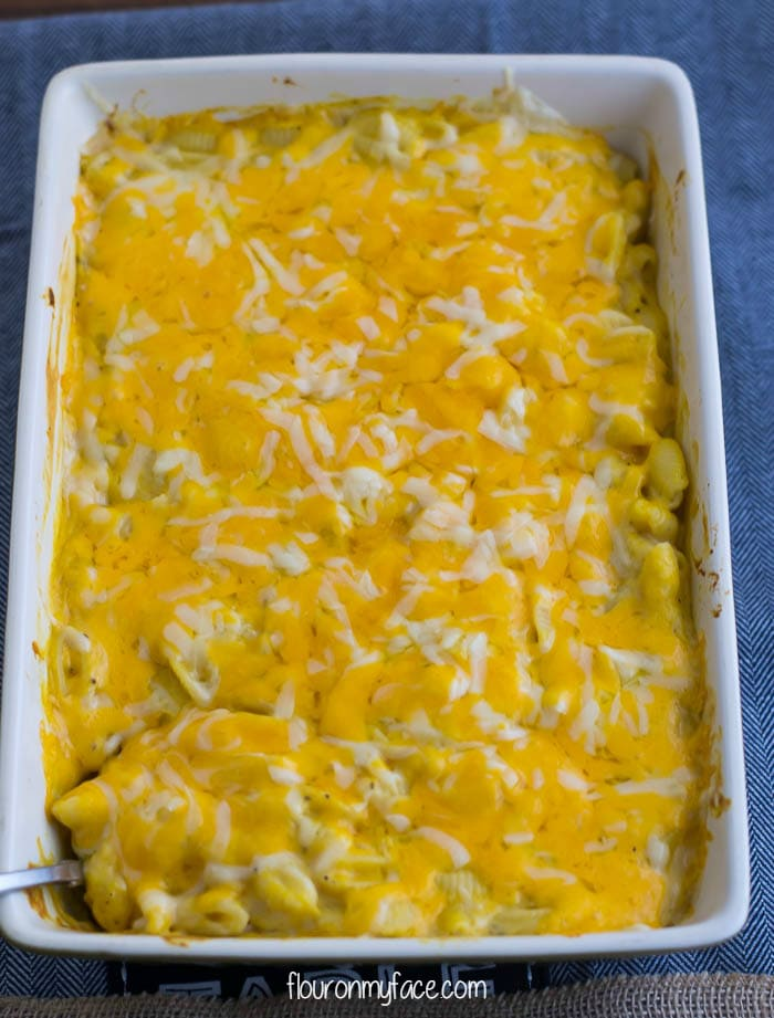Homemade Mac and Cheese recipe via flouronmyface.com
