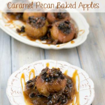 Crock Pot Caramel Pecan Baked Apples recipe via flouronmyface.com