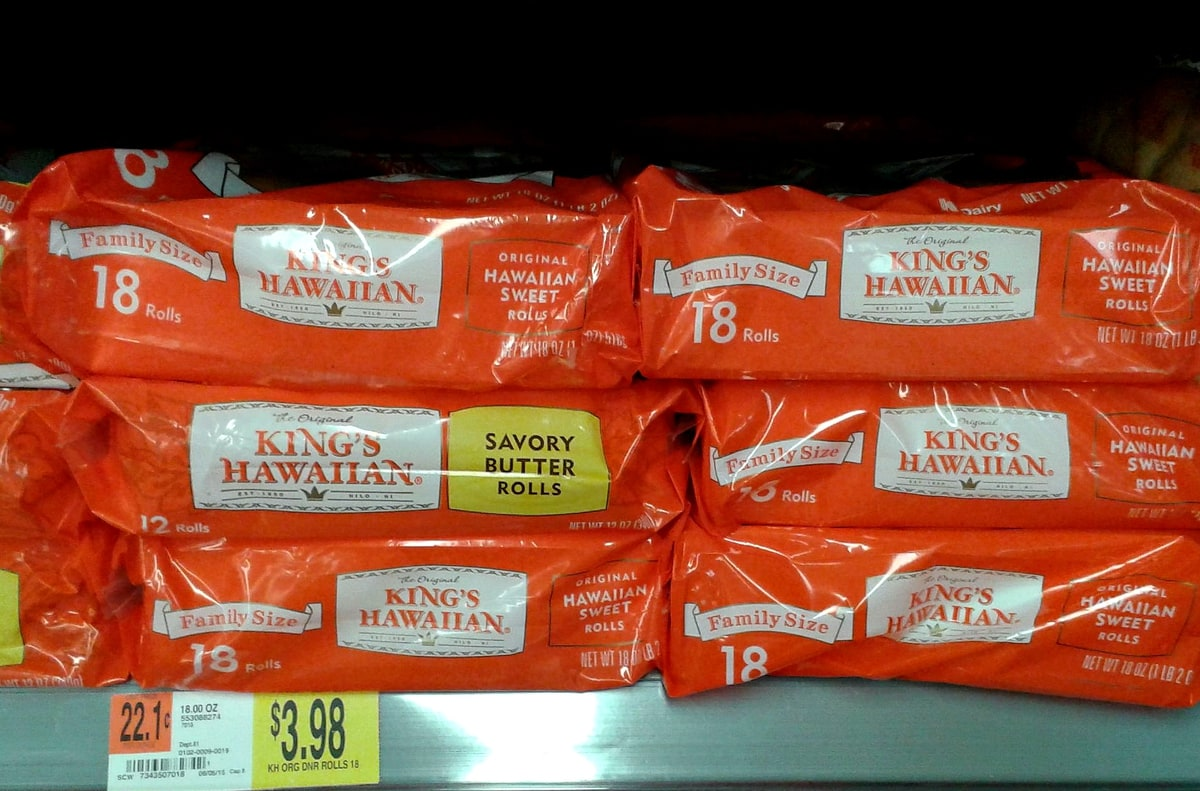 King's Hawaiina Rolls at Walmart via flouronmyface.com